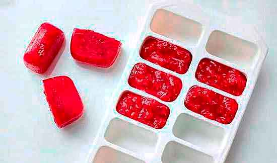 Варенье в замороженном кубике.