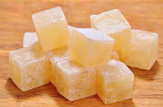 Как заморозить бульон в форме для льда?