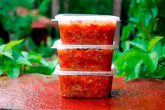 Zamorozka_tushyonyih_pomidorov